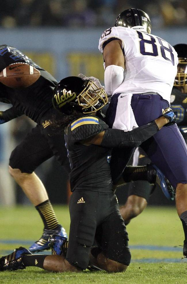 Jack has 4 TDs, leads No. 13 UCLA past Washington