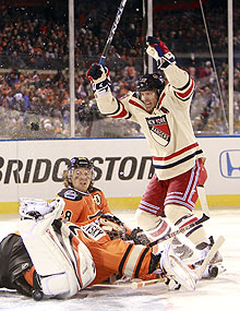 Brad Richards scored the winner in the third period as the Rangers knocked off the Flyers in the 2012 Winter Classic.