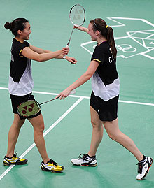 Michele Li and Alex Bruce celebrate their quarterfinal win. (Getty Images)