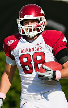 Arkansas freshman TE Garrett Uekman was found dead in his dorm room Sunday.