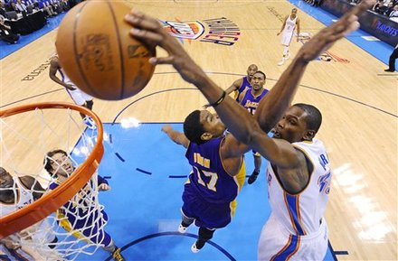 Well-Rested Thunder Crush Lakers in Series Opener