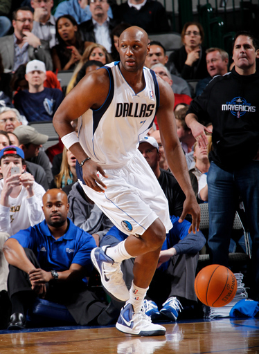 Lamar Odom #7 Of The Dallas Mavericks Handles