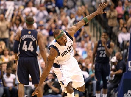 Dallas Mavericks Guard Jason Terry (31) Celebrates