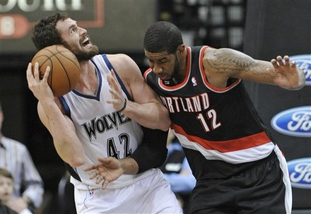 Minnesota Timberwolves' Kevin Love (42) Is