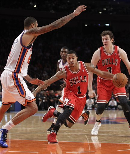 Chicago Bulls Guard Derrick Rose (1) Drives