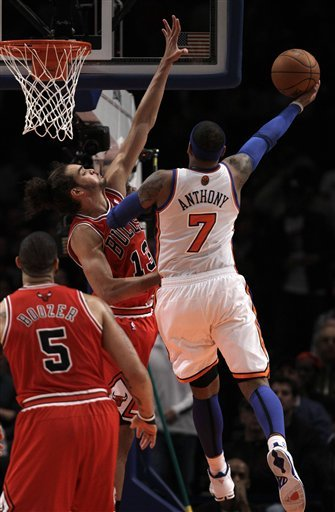 Chicago Bulls Center Joakim Noah (13) Defends