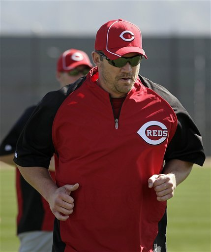 Cincinnati Reds Third Baseman Scott Rolen Runs