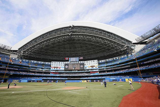 Blue Jays looking to install real grass playing surface by 2018