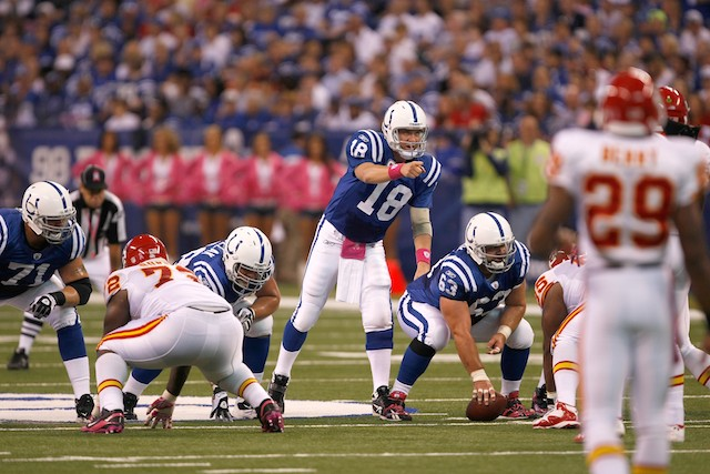 Peyton Manning offered contract by Kansas City Chiefs