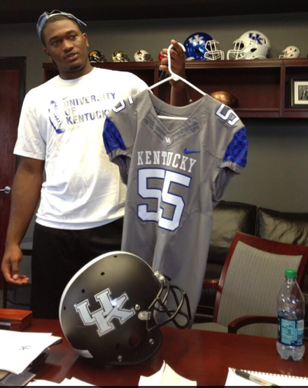 PHOTO: New grey Kentucky uniforms?