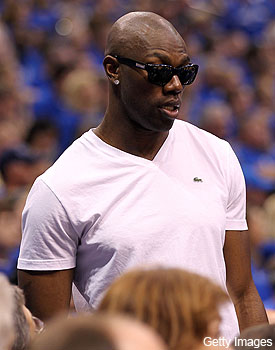 Terrell Owens reportedly close to accepting offer from Indoor League team