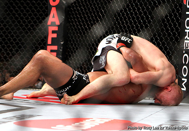 Martin Kampmann pulls a rabbit out of the hat to shock Thiago Alves with less than a minute left