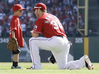 Shannon Stone's mother makes a request of Josh Hamilton