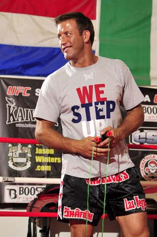 With wife expecting, Stephan Bonnar ready to jump on private jet after UFC 153