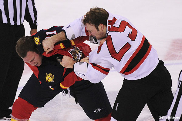 Puck Daddy's top 10 hockey fights of 2011