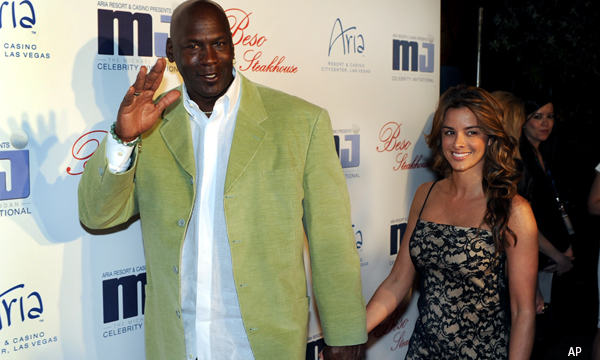 Michael Jordan gets engaged to model girlfriend Yvette Prieto