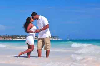 Jason Campbell denies leaving his bride-to-be at the altar