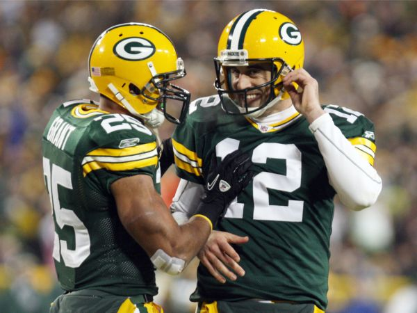 Christmas Miracle: Aaron Rodgers goes off, secures fantasy titles