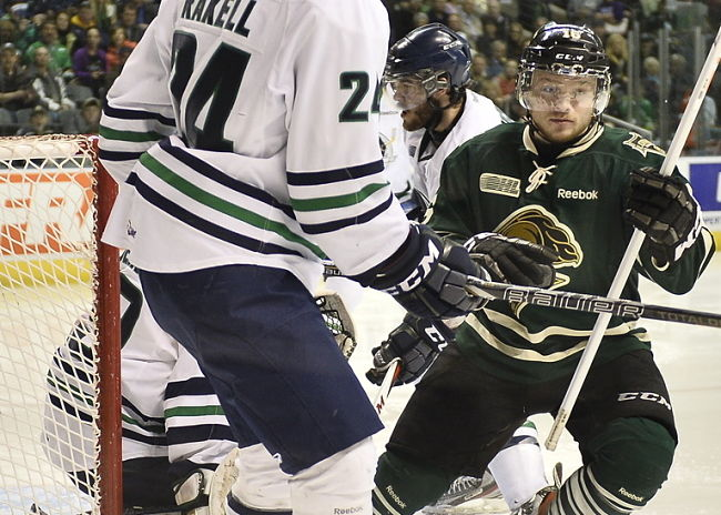 Domi leads way for Knights to advance to OHL final: Friday's 3 Stars