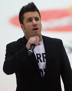 MasterCard Memorial Cup anthem singer canned for anti-Stephen Harper T-shirt