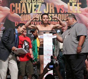 Texas will use (sort of) open scoring for Julio Cesar Chavez-Andy Lee middleweight title bout