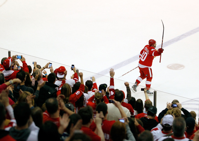 Henrik Zetterberg #40 Of The Detroit Red Wings Salutes