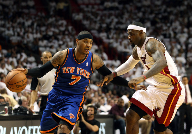 Forward Carmelo Anthony #7 (L) Of The New York Knicks Is