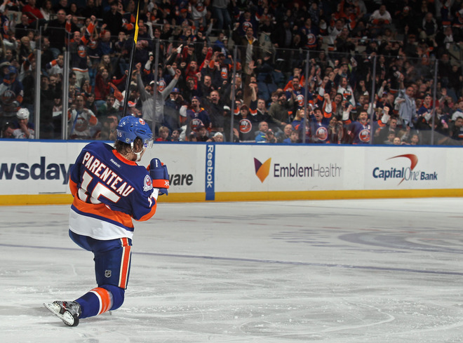 P.A. Parenteau #15 Of The News York Islanders Scores