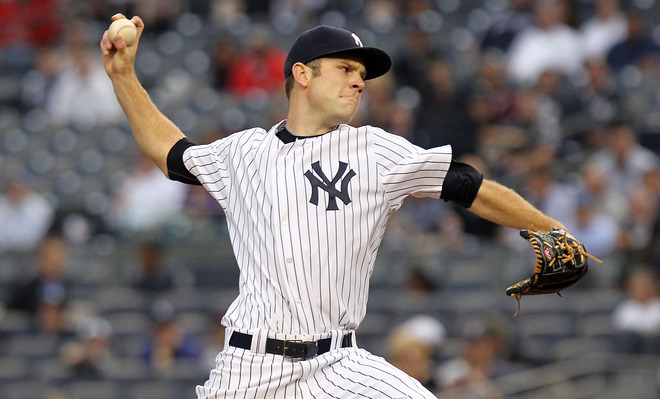 David Phelps #41 Of The New York Yankees Pitches