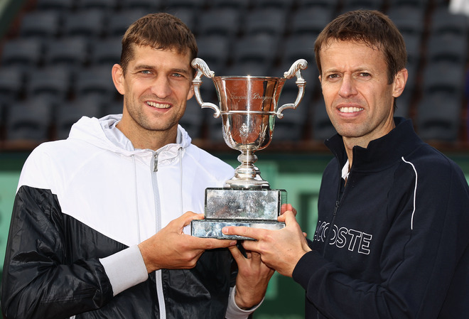 Max Mirnyi (L) Of Belarus And Daniel Nestor Of Canada Pose With The Winners