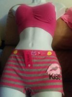pink sports bra n boyshorts