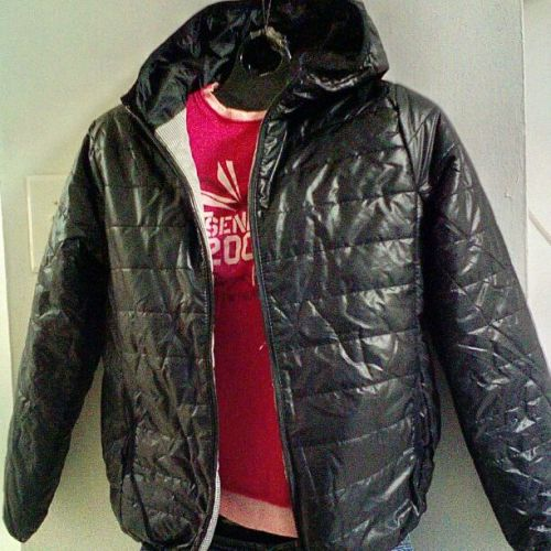Ladies/girls glossy black puffer Jacket.