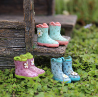 Tiny Rain Boots (Set of 3)