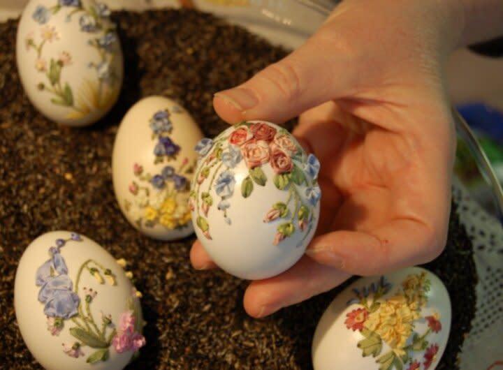 التطريز قشور البيض