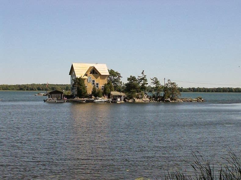 جزر الألف . منزل واحد لكل جزيرة صور مدهشة