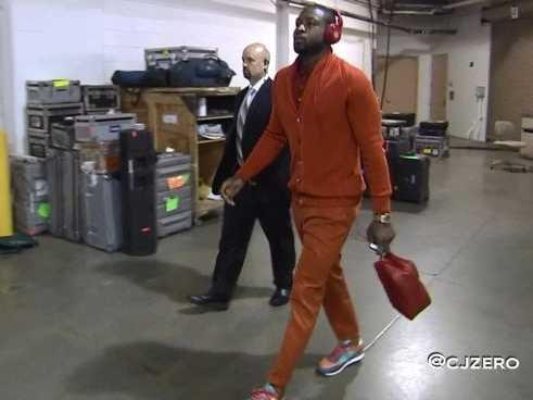 dwyane wade orange outfit