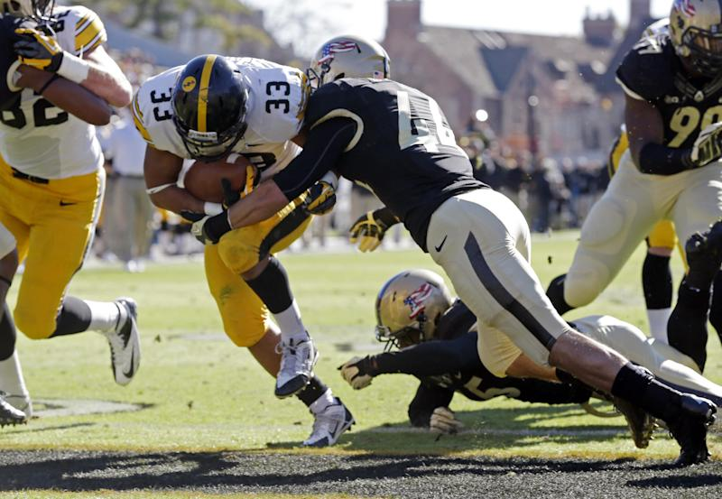 Canzeri leads Iowa to 38-14 win over Purdue