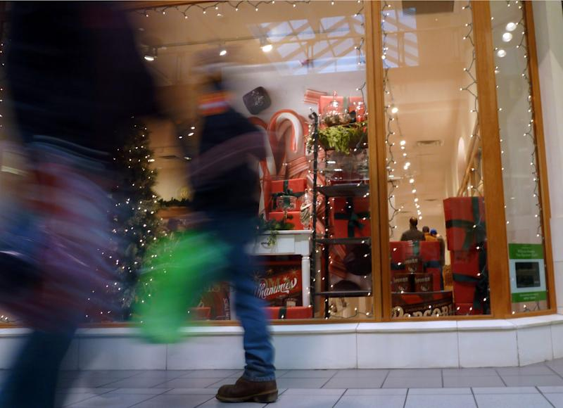 US consumers lose confidence as fiscal cliff nears