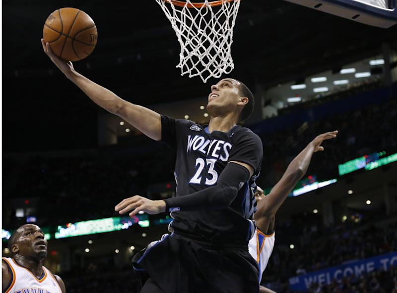 Wolves guard Martin out with broken thumb