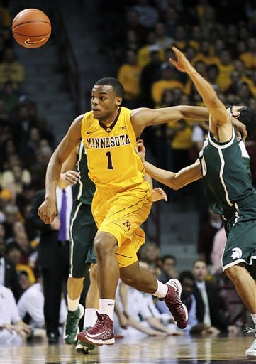 No. 9 Minnesota tops No. 18 Michigan St 76-63