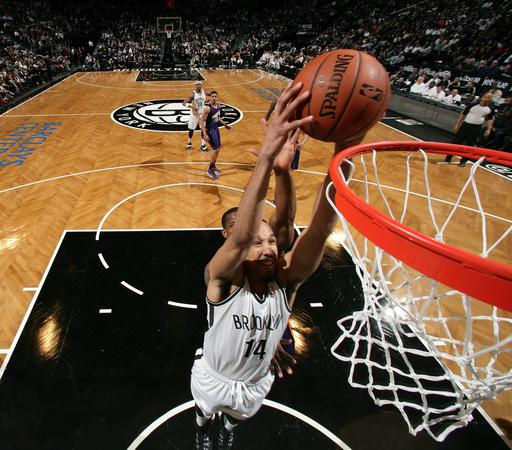 Williams scores 28 as Nets cruise by Suns 108-95