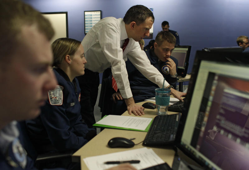 Military grooms new officers for war in cyberspace