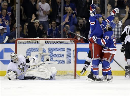 Newcomers lift Rangers to 6-1 rout of Penguins