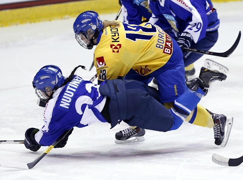 Spooner lifts Canada past US in Four Nations Cup