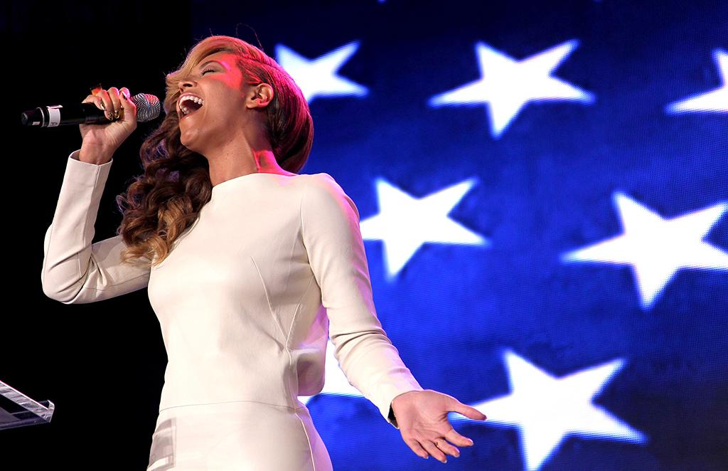 """Anthems and halftime: As if singing at a presidential inaugural ball weren't enough, Alicia Keys will be checking off """"super bowl national anthem"""" from her bucket list. (Of course, many viewers still recall Whitney Houston's patriotic blast -- and sung live, according to Mom.) Another inaugural performer, Beyoncé, got some heat for lip-synching before the president, but anticipation's high, anyway, for her halftime set list. But the halftime search gold standard on Yahoo! may still belong to Janet Jackson and Justin Timberlake, who coined the phrase """"wardrobe malfunction,"""" which quickly entered the celebrity lexicon."""