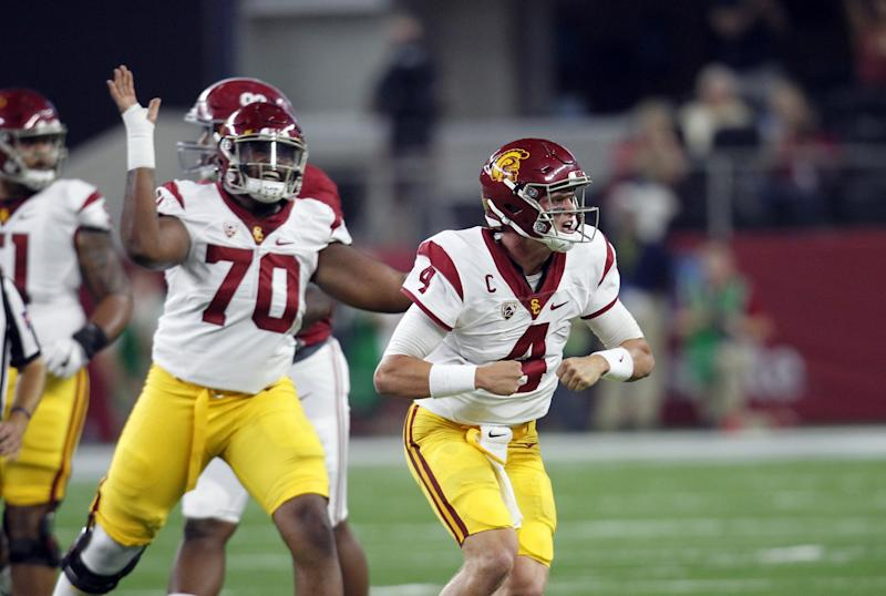 USC LT Chuma Edoga ejected after contact with official
