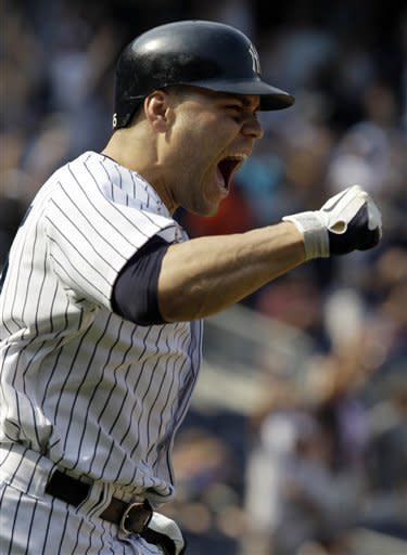 Martin leads Yanks to Subway sweep of Mets