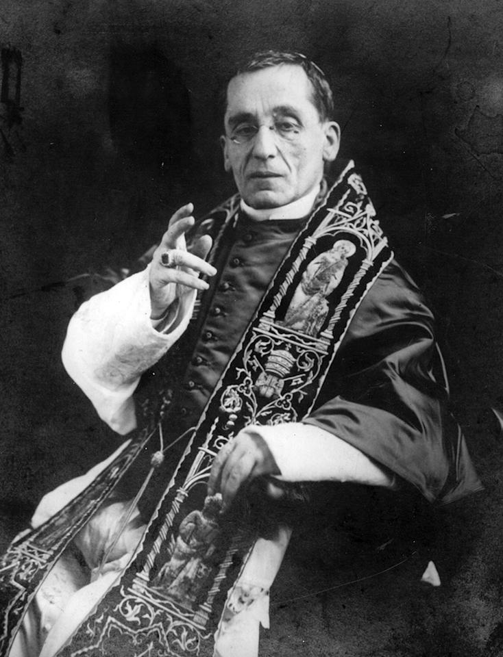 circa 1915:  Pope Giacomo della Chiesa Benedict XV (1854 - 1922), pope from 1914.  (Photo by Hulton Archive/Getty Images)