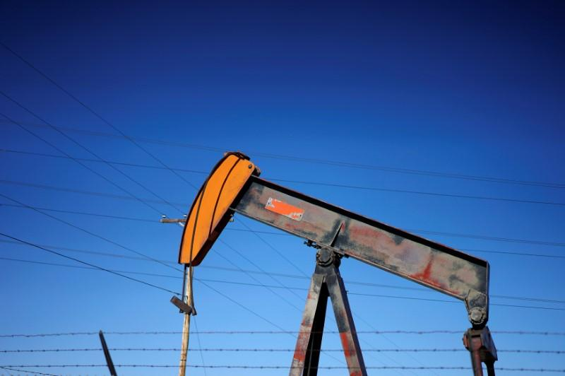 Global oil output hit new record pending promised OPEC cuts
