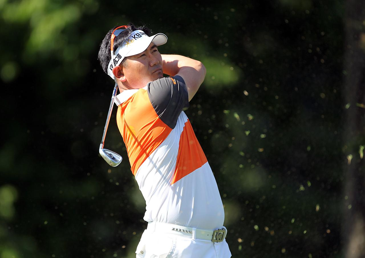 MEMPHIS, TN - JUNE 07:  Y.E. Yang of South Korea hits his tee shot on the par 3 8th hole during the first round of the FedEx St. Jude Classic at TPC Southwind on June 7, 2012 in Memphis, Tennessee.  (Photo by Andy Lyons/Getty Images)